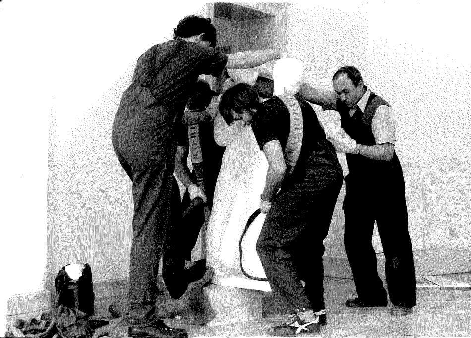 Déménagement. Installation des sculptures